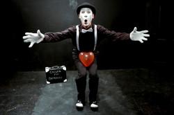 Chispa at Broadway 2 balloon7 bajos.jpg