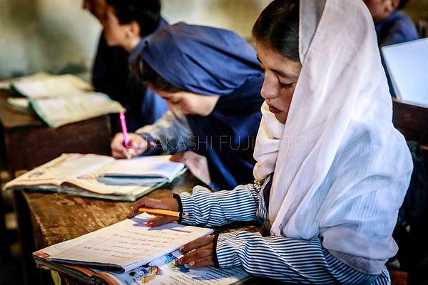 世界の学校と子どもたち
