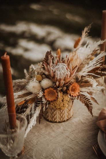 sposa-fiori-secchi-accessori-stile-elegante-boho