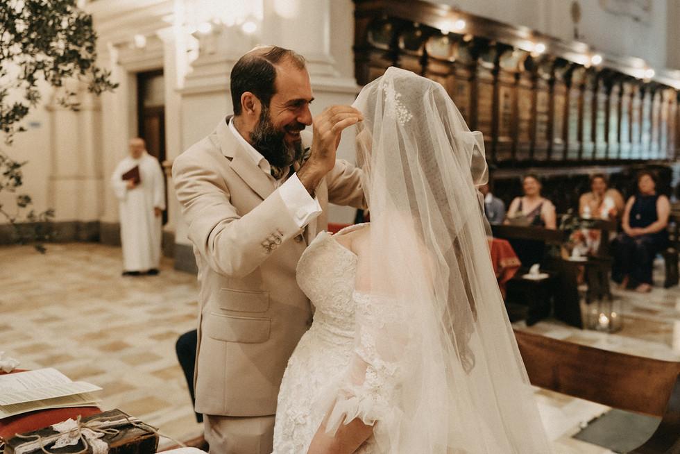 wedding-dress-bride-groom