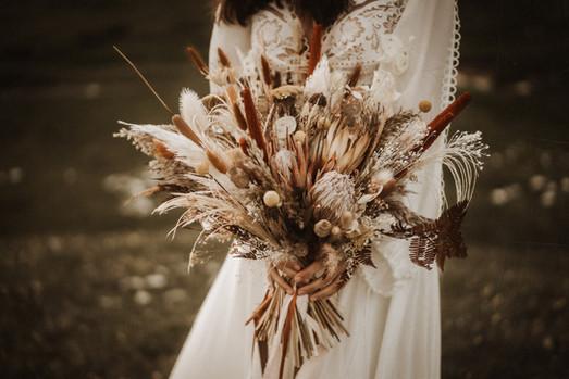 bride-bouquet-dried-flowers-boho