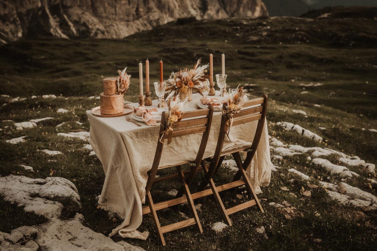 allestimento-matrimonio-tavolo-elegante-stile-boho-chic