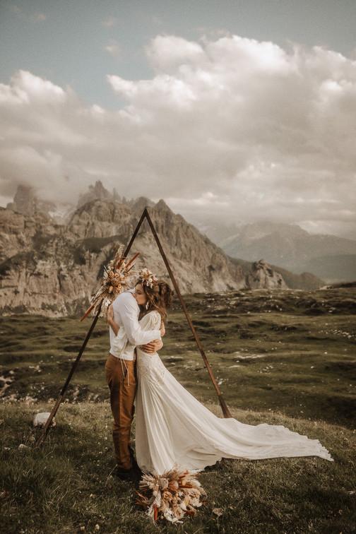 abito-sposa-stile-elegante-boho
