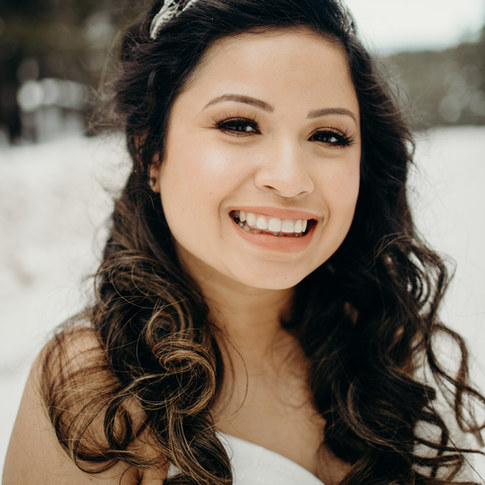 bride wride long flowing curls soft natural makeup
