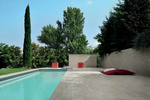 roxstonessilvergray_piscina.jpg