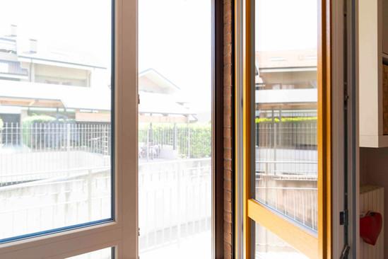 serramento pvc bicolore+zanzarieras2.jpe