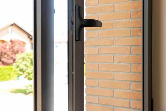 finestra in alluminio.jpeg