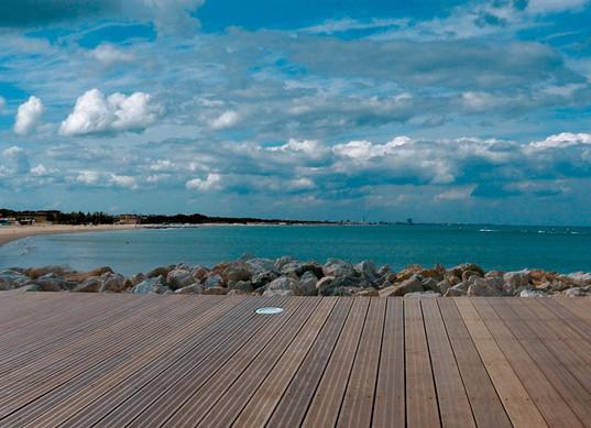 deck_gallery51.jpg