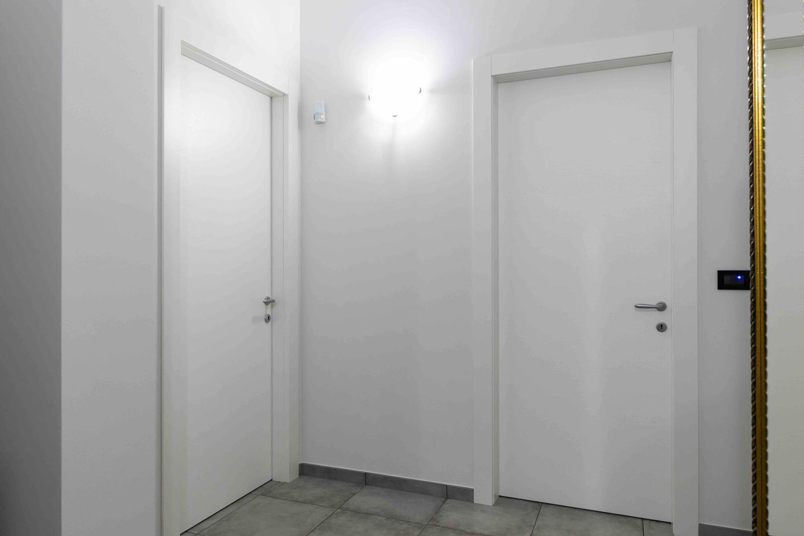 porta interna bianca liscia3 (2).jpeg