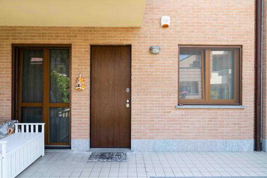 porta blindata+ serramenti pvc + zanzari