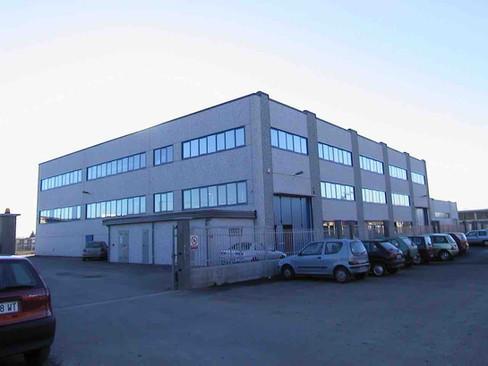 serramenti per capannoni industriali.jpe
