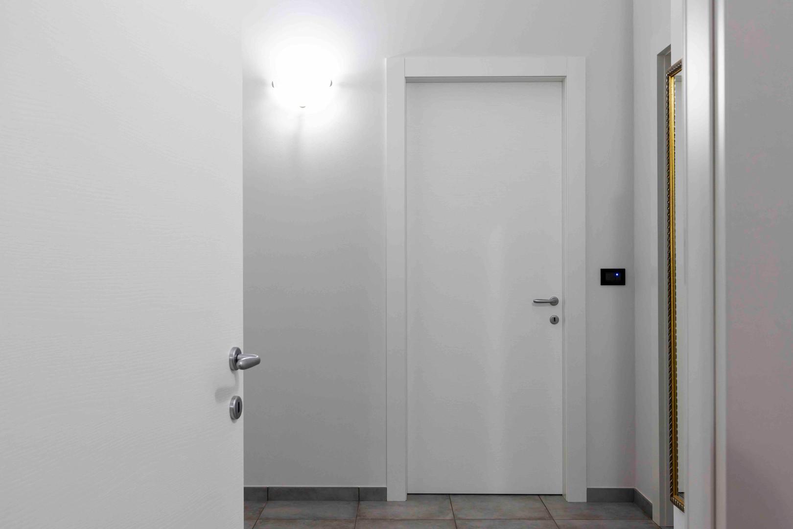 porta interna bianca liscia2.jpeg