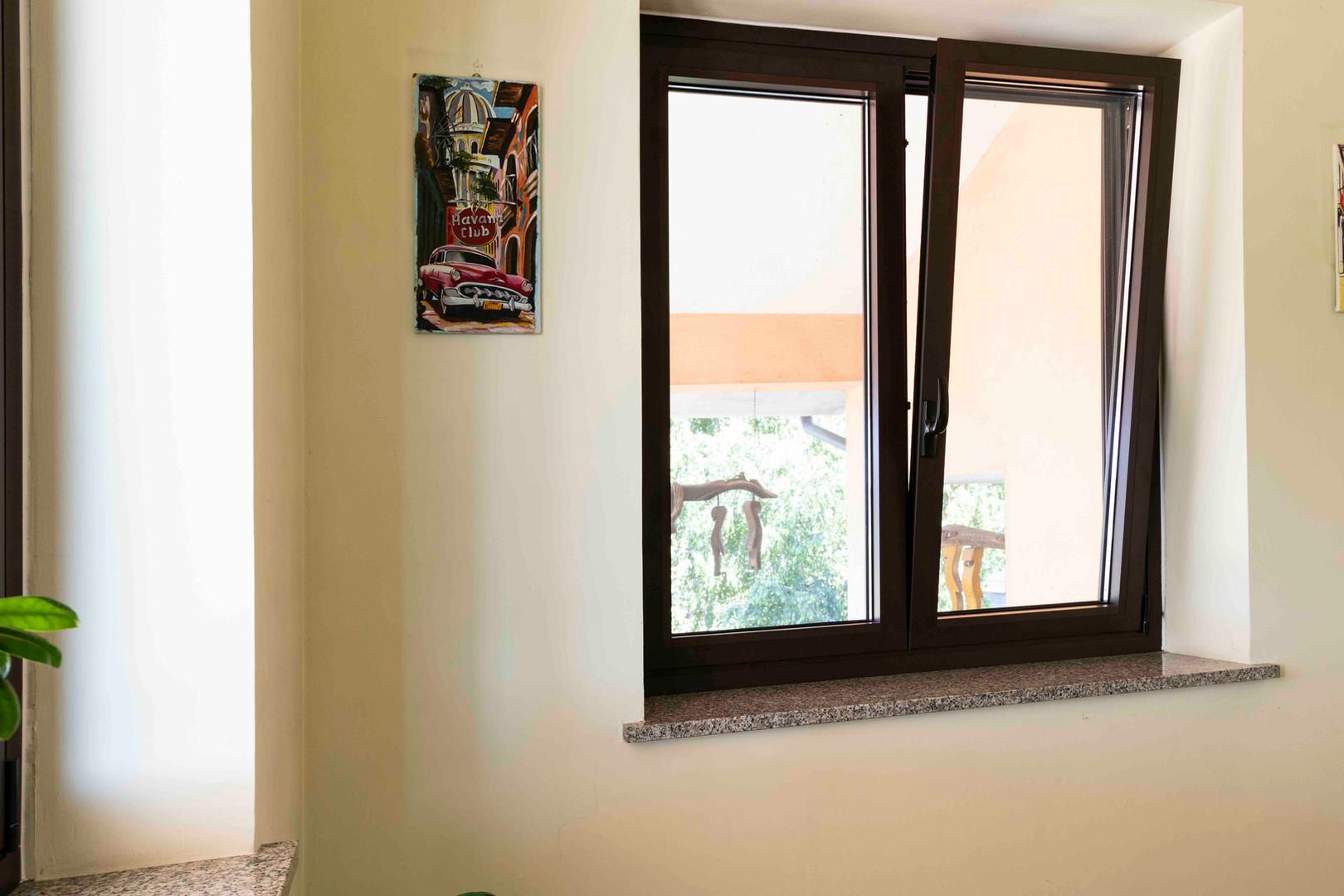 finestra in alluminio taglio termico con