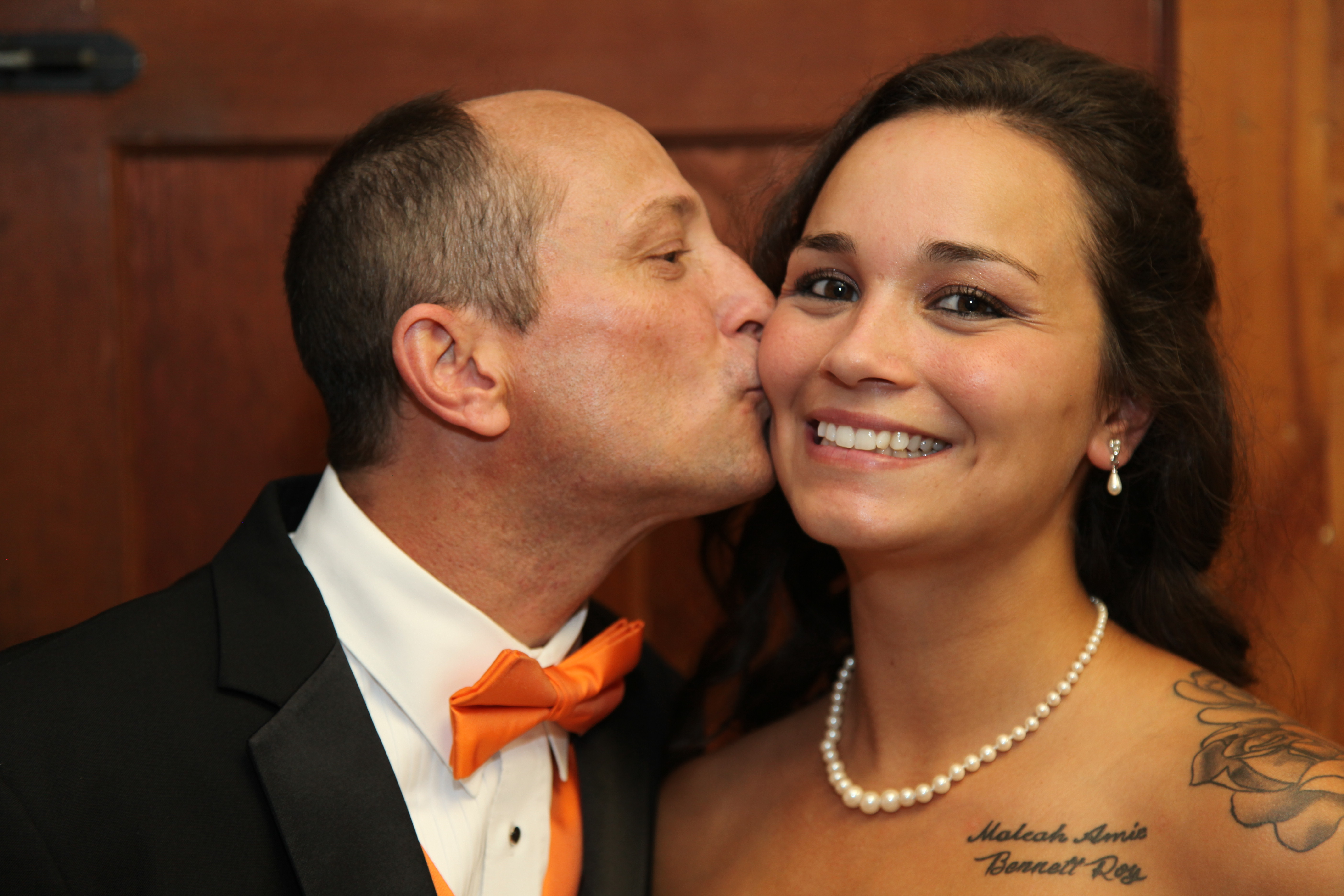 Father of the Bride Kiss