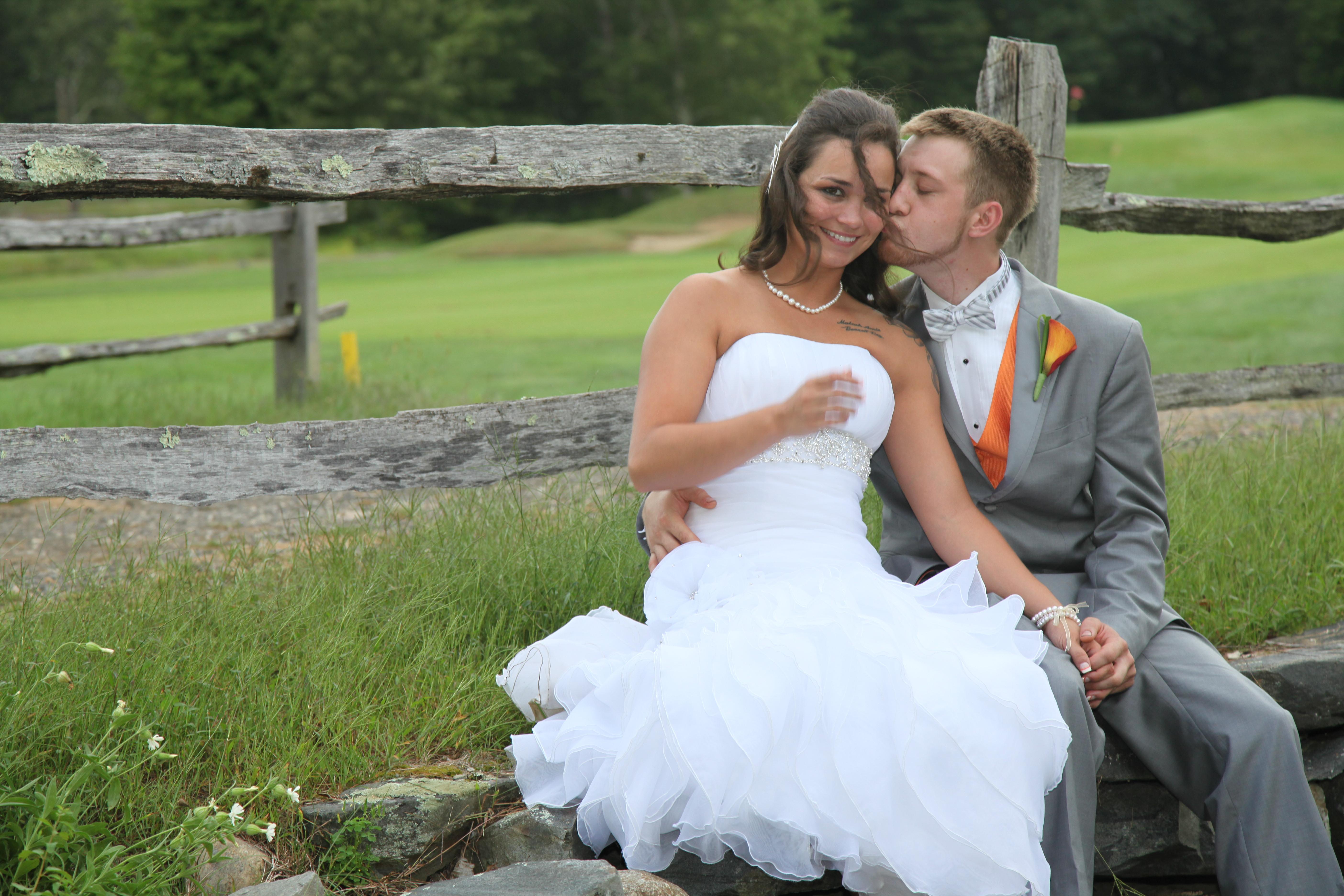 Wedding Kiss Fense
