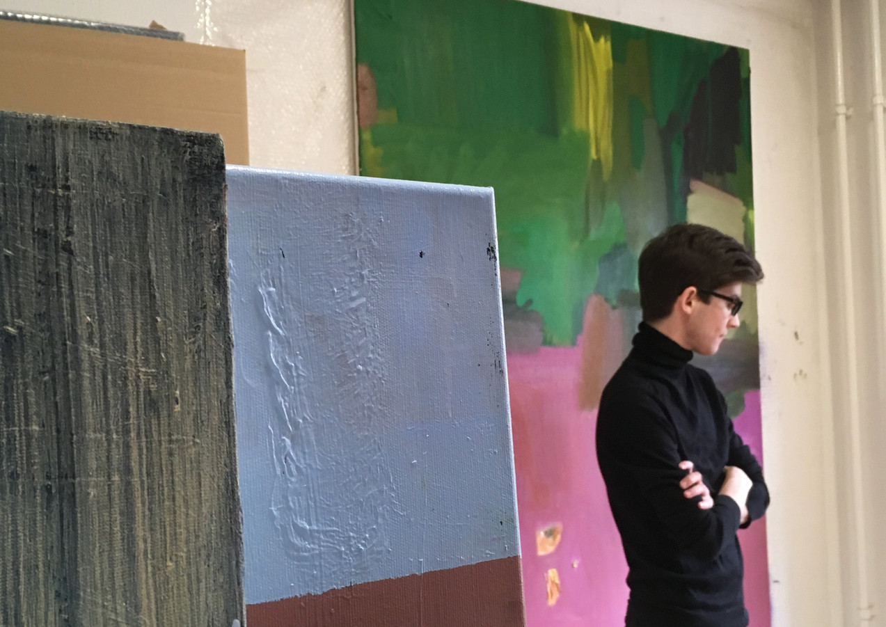Ádám DÓRA artist in his studio