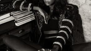 Afiya Bennett Makes Stunning Appearance in Honor of Black Awareness Day in Brasil