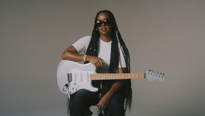 H.E.R. MAKES HISTORY AS FIRST BLACK FEMALE ARTIST TO HAVE FENDER ARTIST SIGNATURE GUITAR