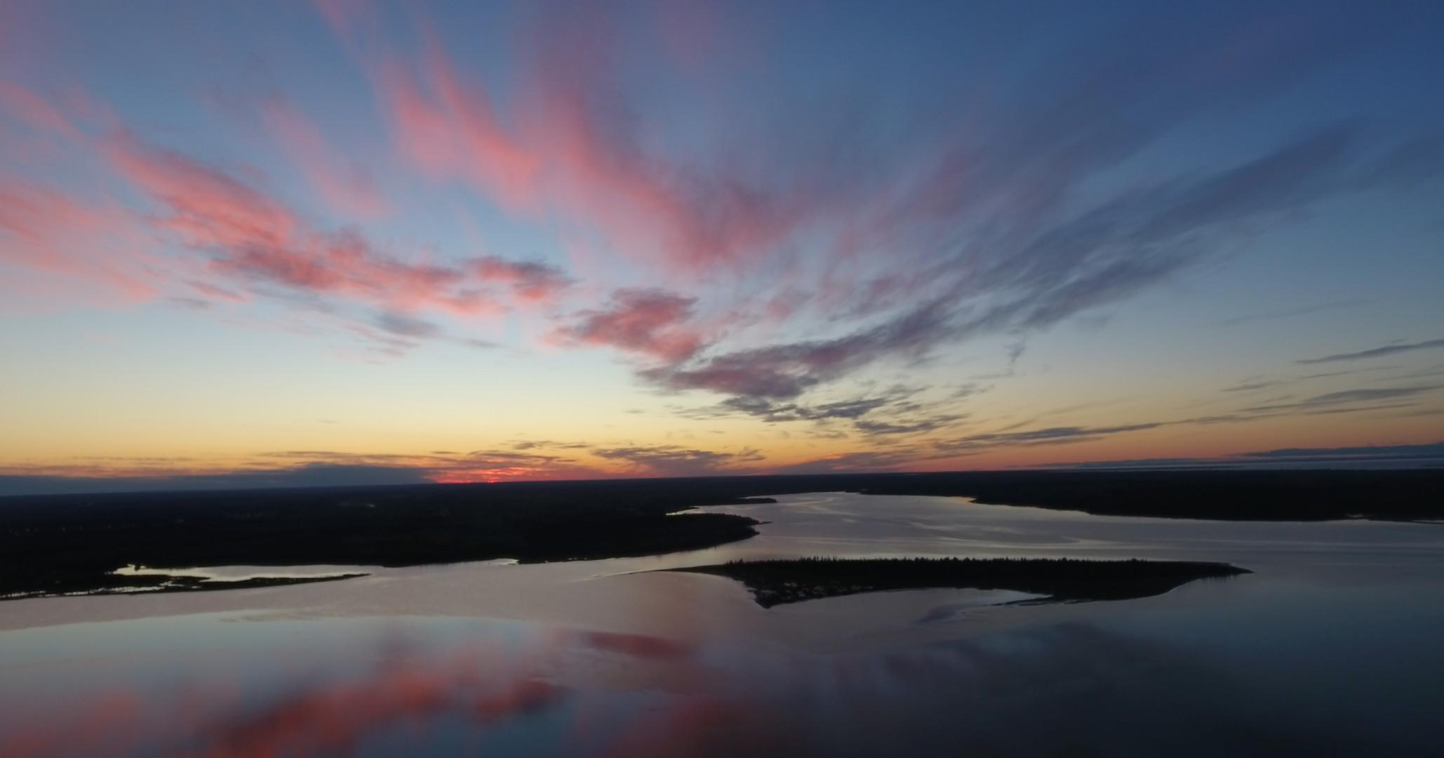 Cielo-Sunset and Munro Island.jpg