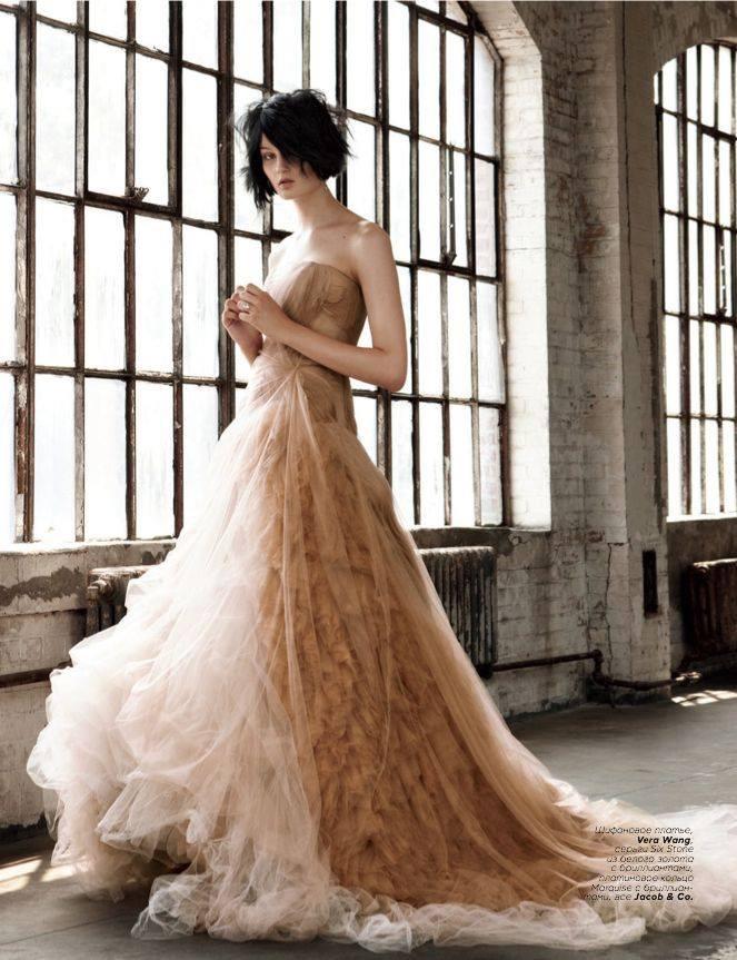 "Vogue Russia ""Brides"" December 2012 Edition.jpg"