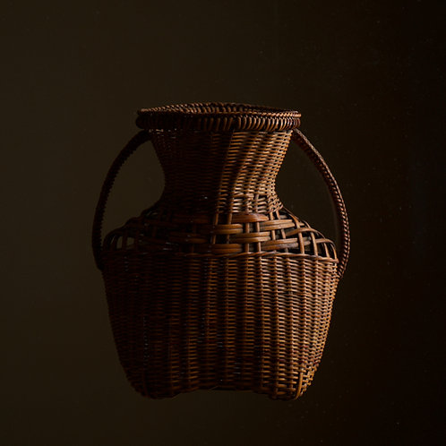 Lovely natural rattan wall basket