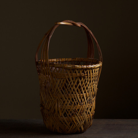 Bamboo flower basket by Iizuka Kunseki.jpg