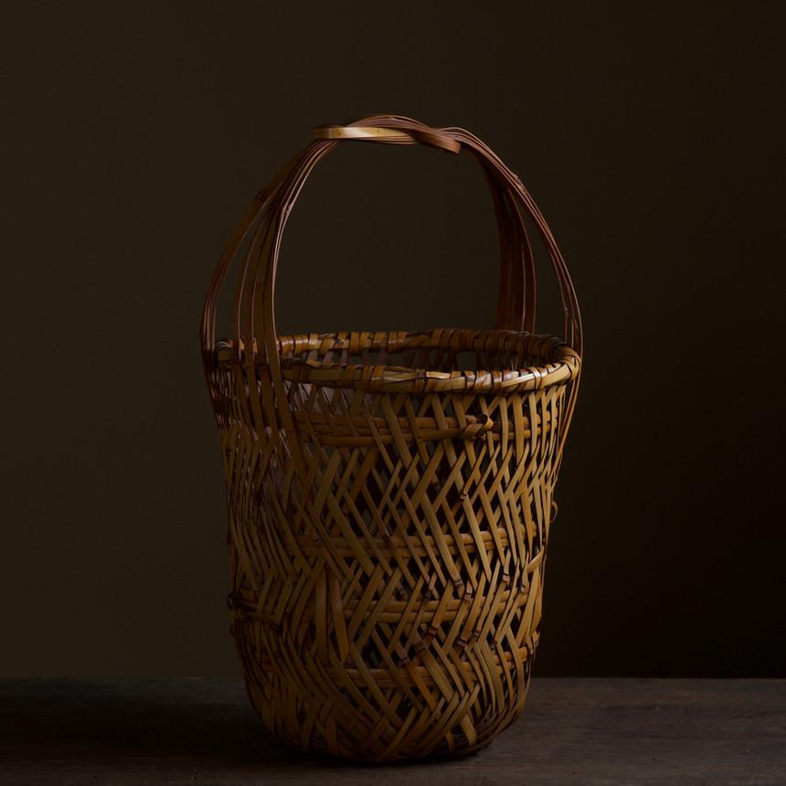 Iizuka Kunseki flower basket 02.jpg