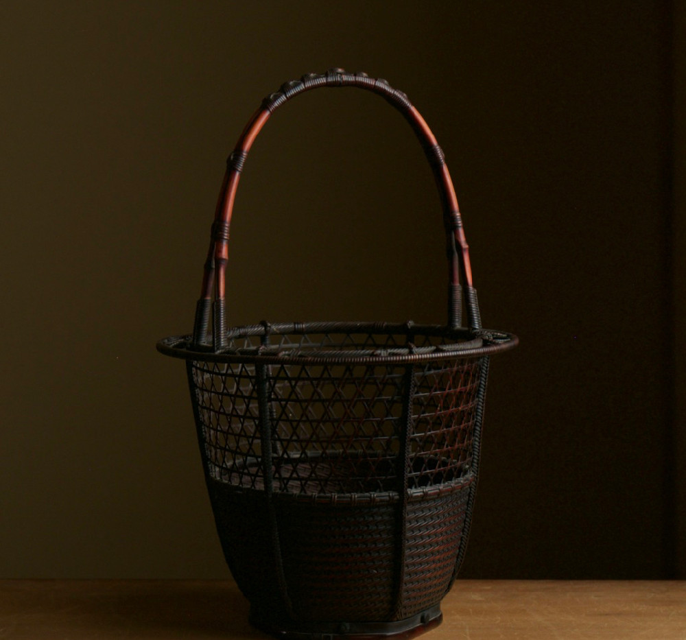 Ryuikyo style flower basket by Hosai 02.jpg