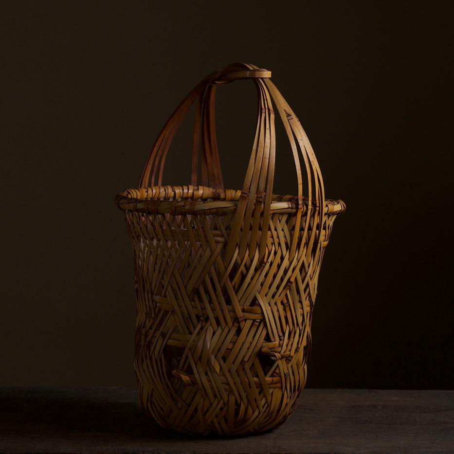 Iizuka Kunseki flower basket 05.jpg