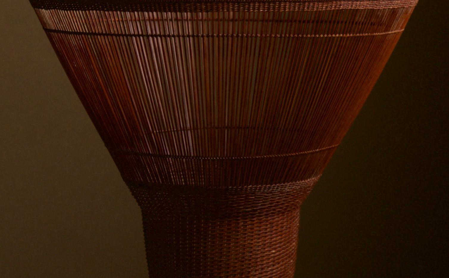 Chikuunsai II Tall Hat Thousand Line Flower Basket 01.jpg
