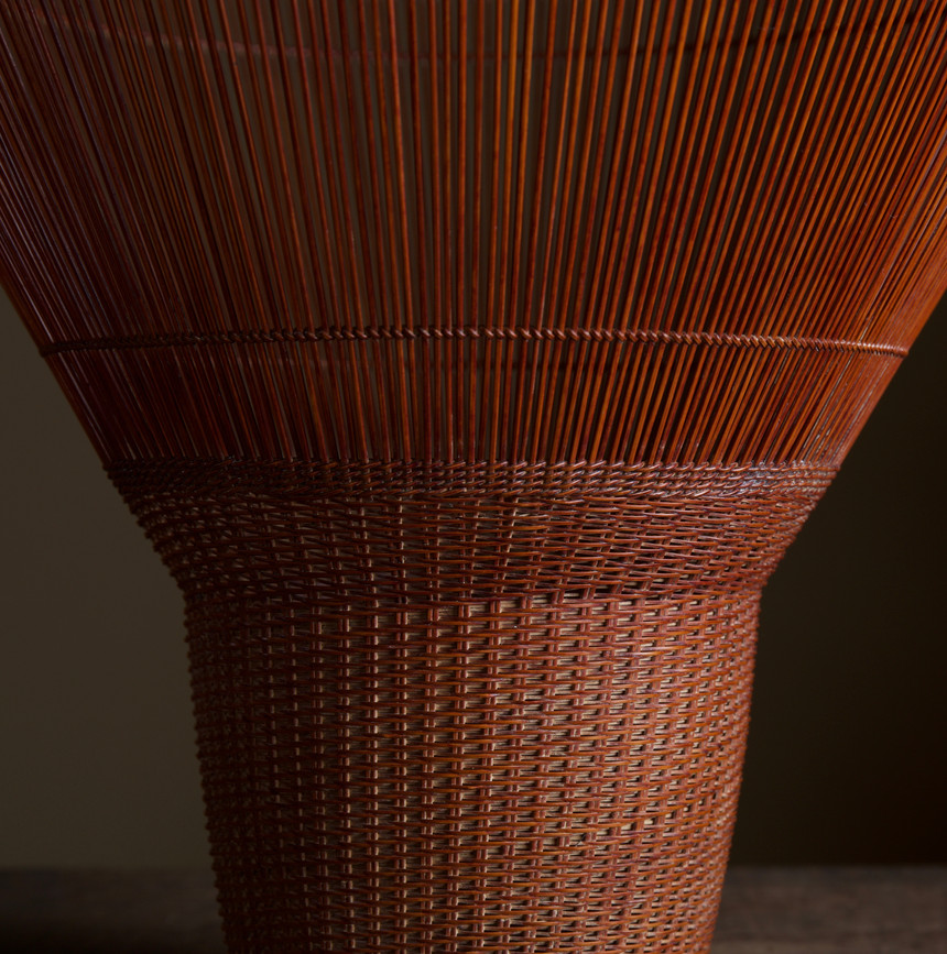 Chikuunsai II Tall Hat Thousand Line Flower Basket 04.jpg