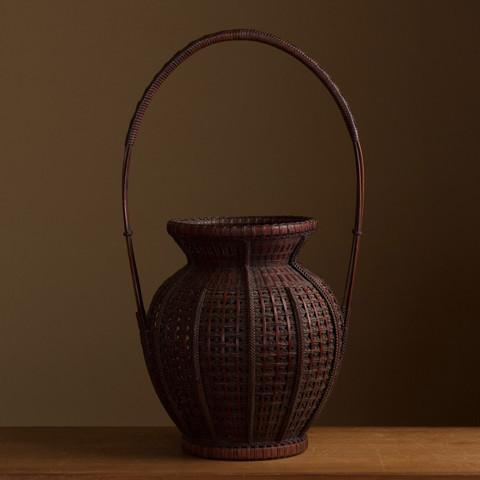 Bamboo flower basket by Yamamoto Chikuryusai or Shoen.jpg
