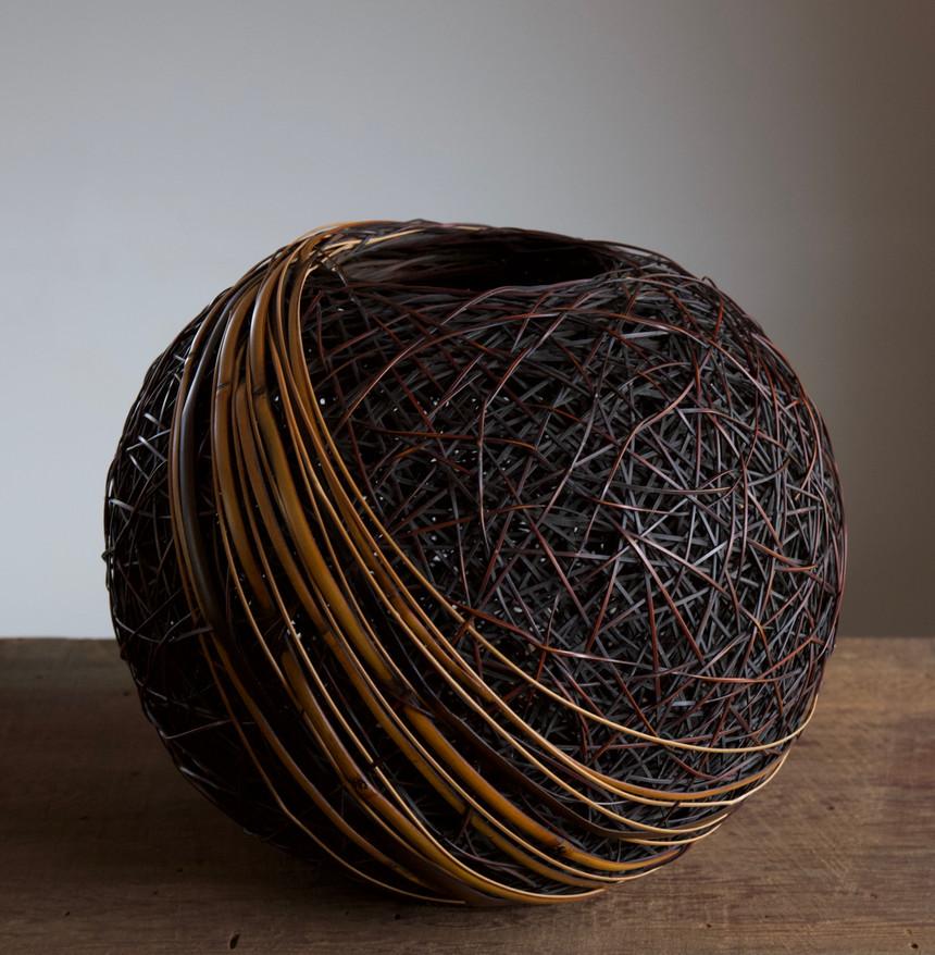 Monden Kogyoku Earth Flower Basket 03.jpg