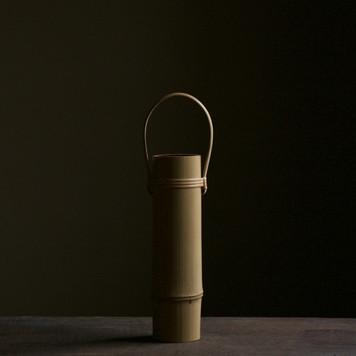 Bamboo flower vase by Shono Shounsai.jpg