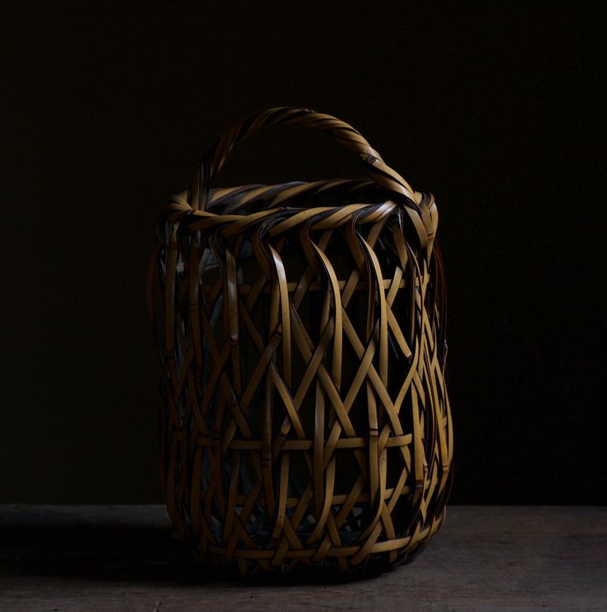 Iizuka Rokansai Flower Basket titled Suisen/Narcissus Flower 03.jpg