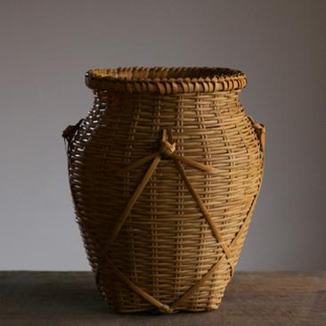 Iizuka Rokansai Flower Basket titled Long Wave.jpg
