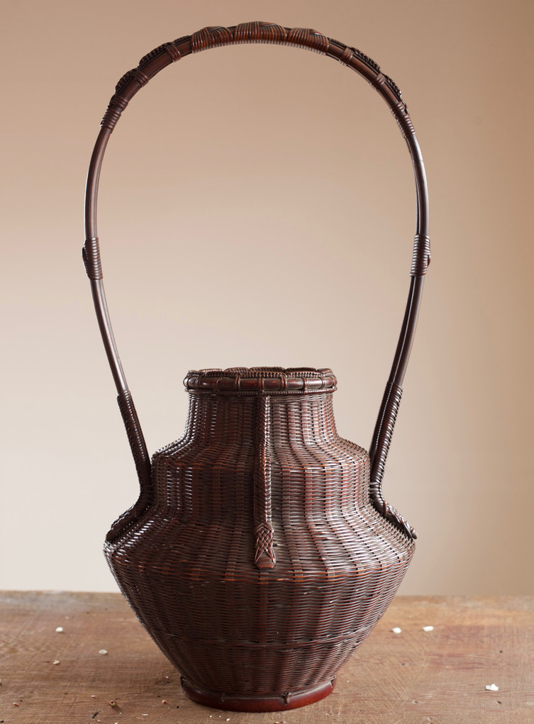 Hayakawa Shokosai IV bamboo basket 01.jpg