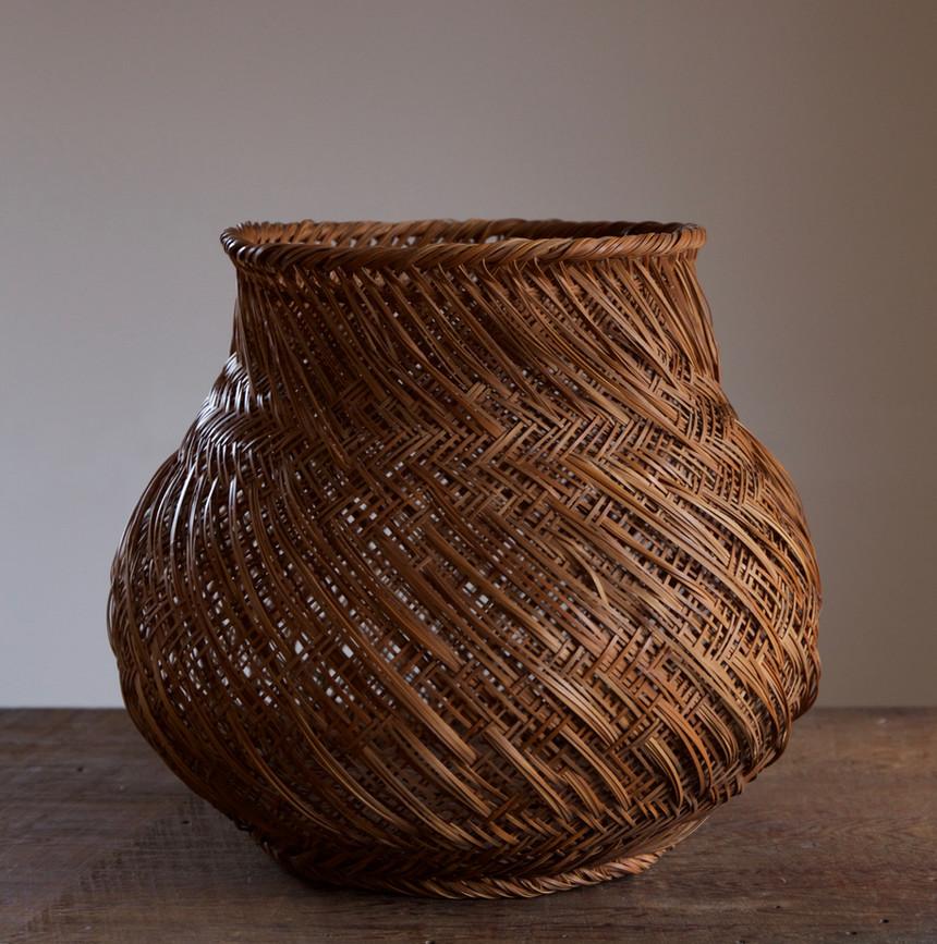 Iizuka Hosai II bamboo flower basket titled Imo/Potato 01.jpg
