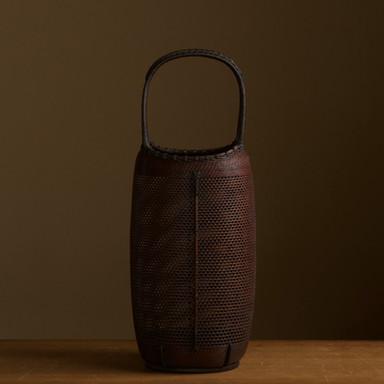 Finely-woven bamboo flower basket by Morita Chikuyosai.jpg