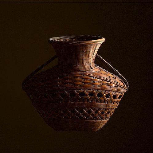 Chinese-style formal wall basket by Wada Waichisai II