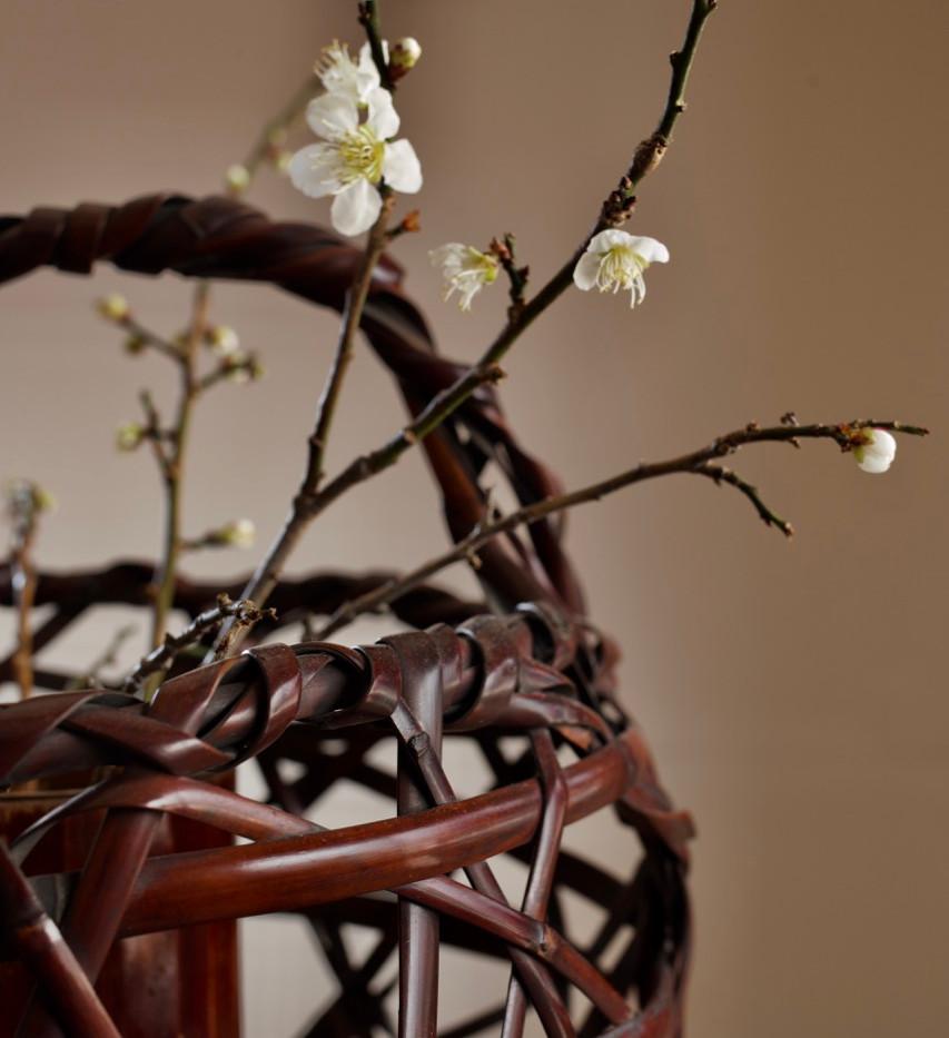 Mountain Road Bamboo Basket by Chikuunsai II 06.jpg