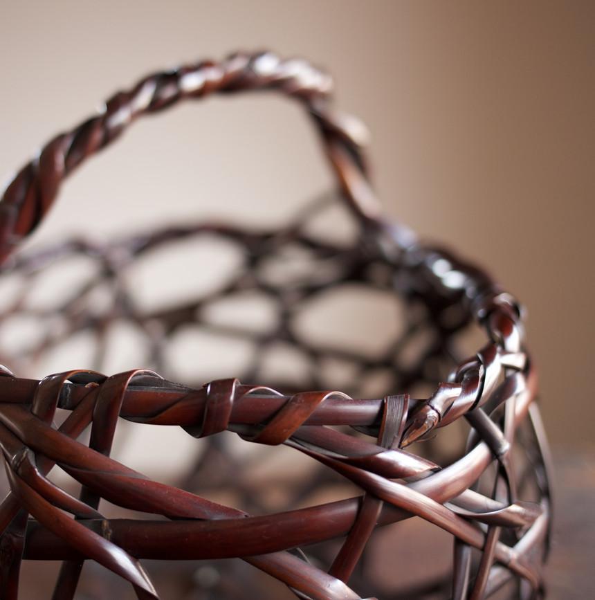Mountain Road Bamboo Basket by Chikuunsai II 03.jpg
