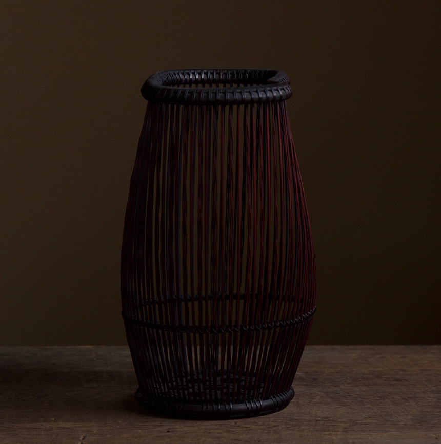 Shiotsuji Juran combed weave basket 04.jpg
