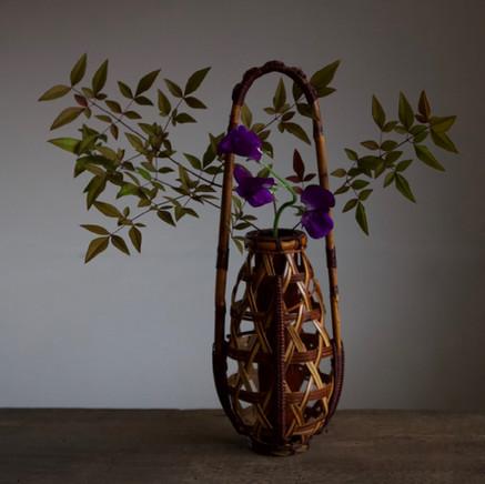 Kosuge Kogetsu hanging flower basket.jpg