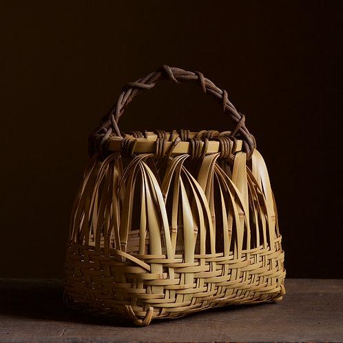 Early flower basket by Kajiwara Koho