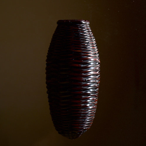 Chrysalis-shaped wall basket