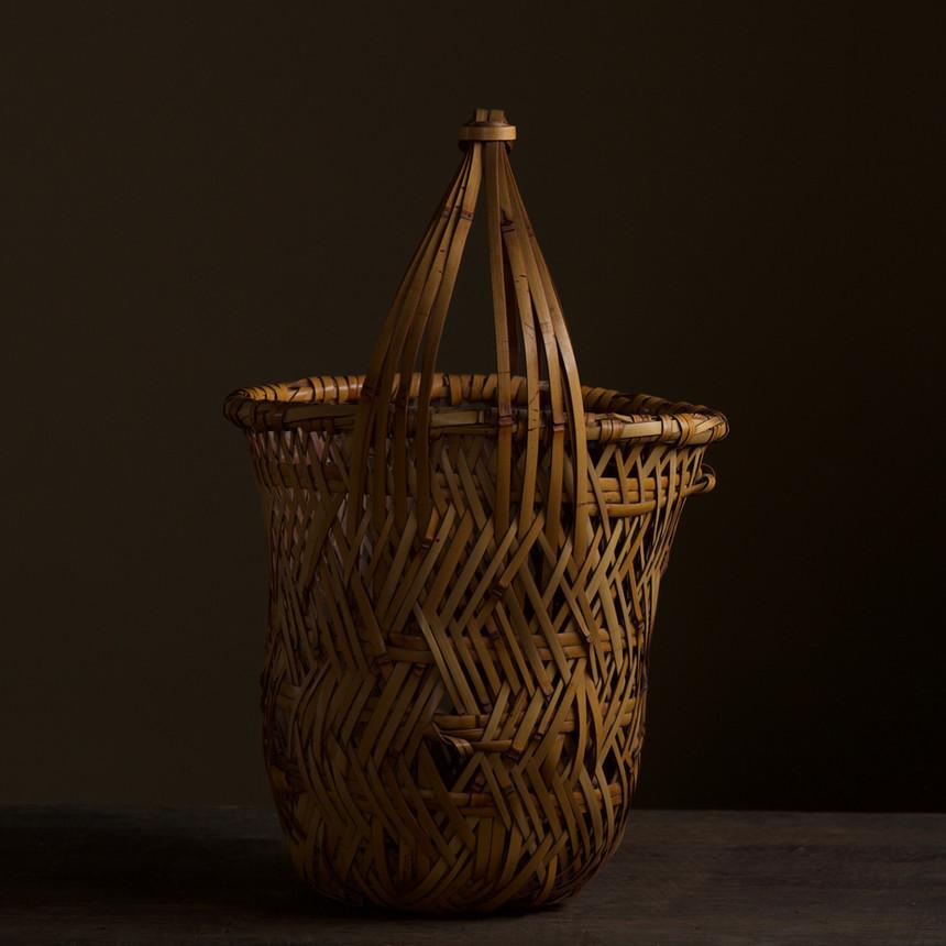 Iizuka Kunseki flower basket 04.jpg