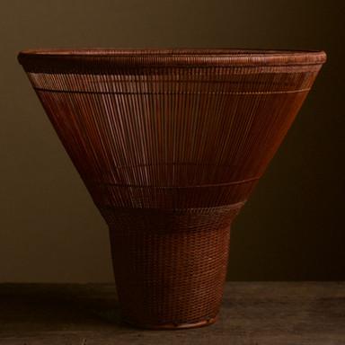 Tanabe Chikuunsai II Tall Hat Thousand Line Flower Basket.jpg