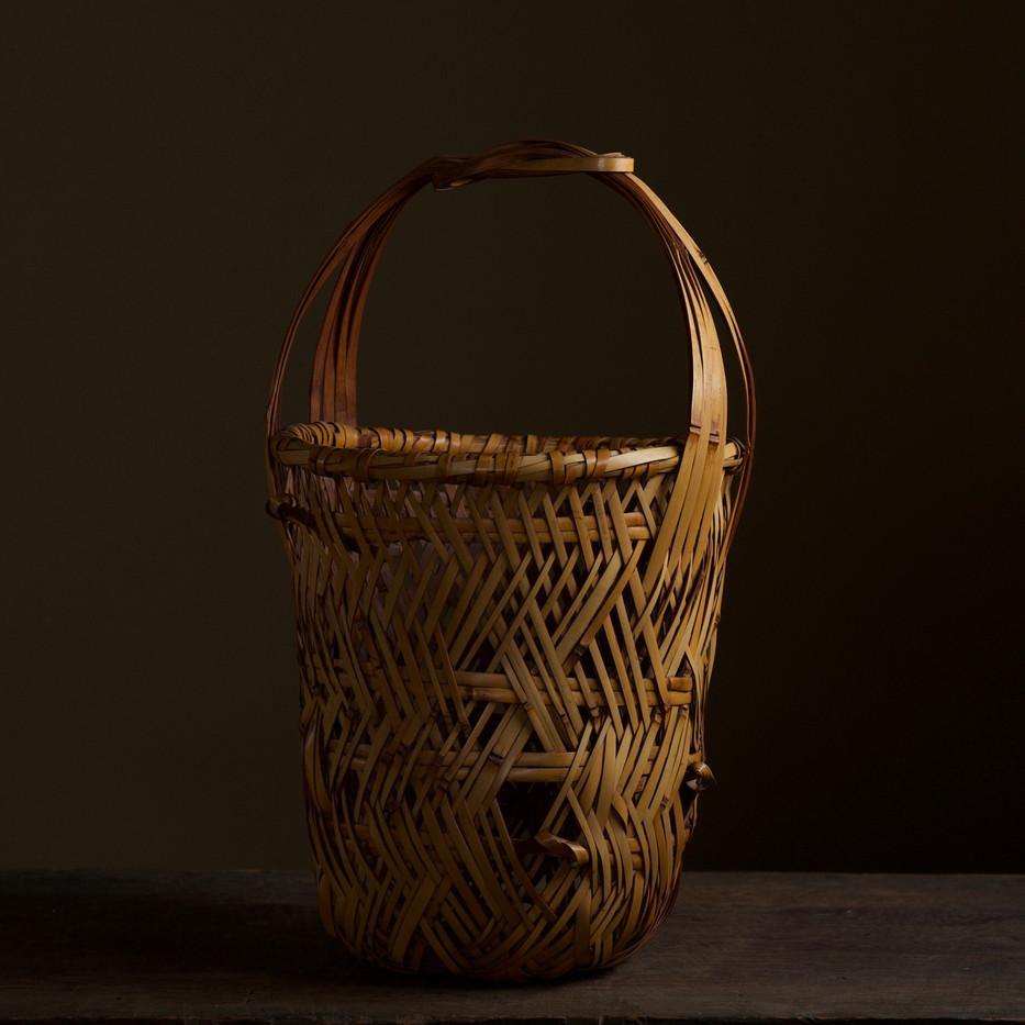 Iizuka Kunseki flower basket 06.jpg
