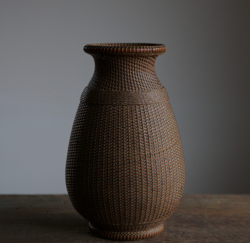 Iizuka Hosai II One Stem Flower Basket 01.jpg